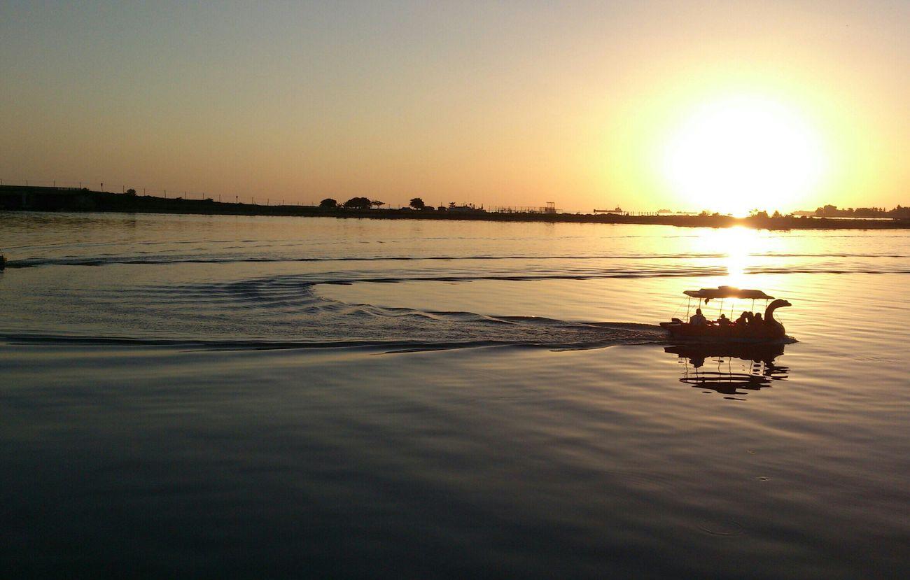 Deceptively Simple Losari Beach Enjoying Life Sony Xperia