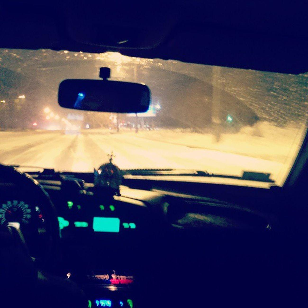 российский автопром Лада4 Погода заметаетзимазаепалаСибирь