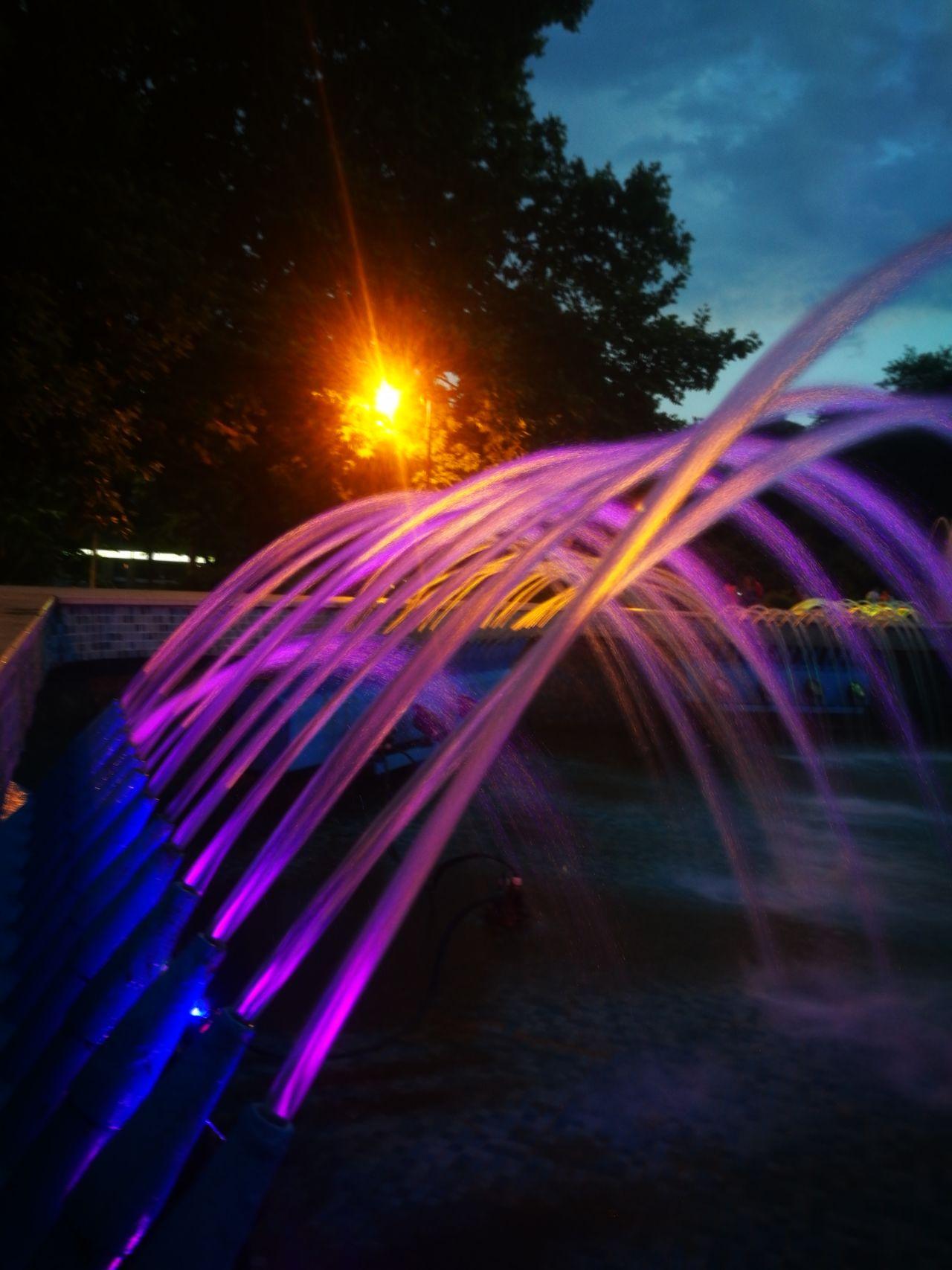 Fountain Water Speed Glowing Water Light Trail