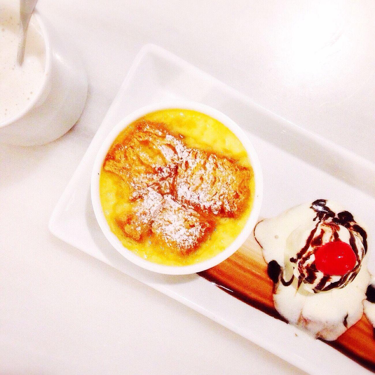 Bread Pudding with Vanilla Ice Cream?? Latepost Food Breadpudding Dessert Foodculinary Pekanbaru Vegan Monday
