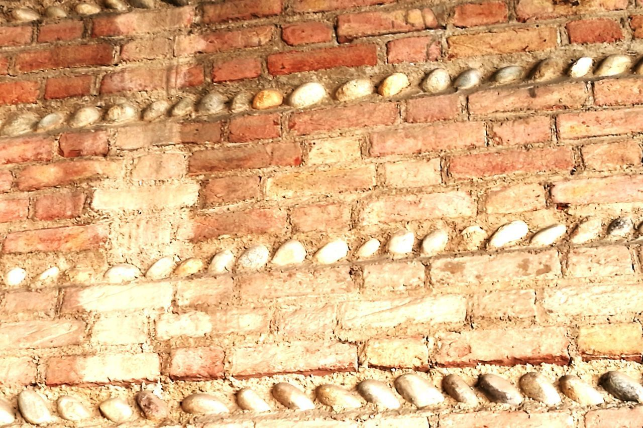 brick wall, wall - building feature, built structure, backgrounds, architecture, outdoors, no people, full frame, building exterior, day, close-up