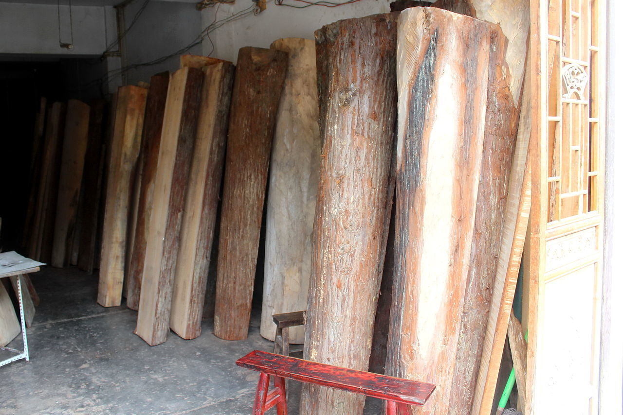Coffin makers in Guizhou, KaiYang county. Chinese Coffin Chinese Culture Chinese Traditional Culture Coffin Makers Coffin Works Coffins  Traditional Culture Of China Wood - Material Wooden Wooden Coffin China,Guizhou China Wood Carving