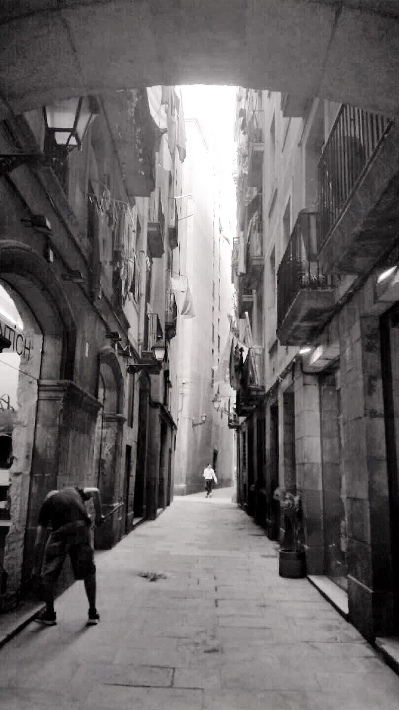 EyeEm Best Shots Eye4photography  Streetphotography Streetphoto_bw Light And Shadow Bw_collection EyeEm Gallery City Life Barcelona The Week On Eyem