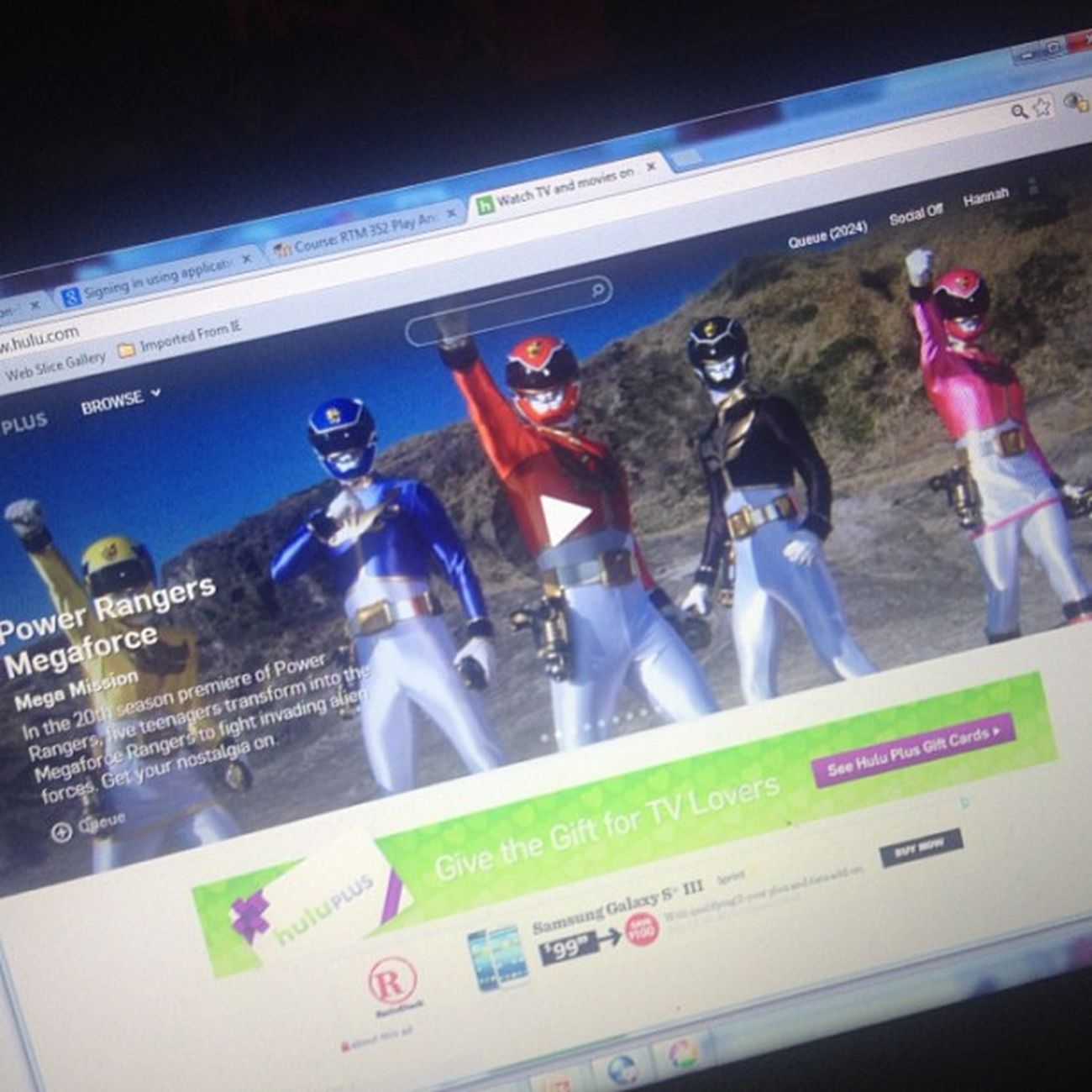 K yeah yeah I know it's not the original... 😜 But who was ur fav ranger(s)? 💛💙❤🎩💗 😄 and yes this includes the newer rangers that showed up later in the original series. 💚💭 gold, and silver Mightymorphinpowerrangers 1993to1995 1990schild Childhoodmemories Kidatheart PinkRanger Pterodactyl Kimberly  YellowRanger Sabertoothtiger Trini