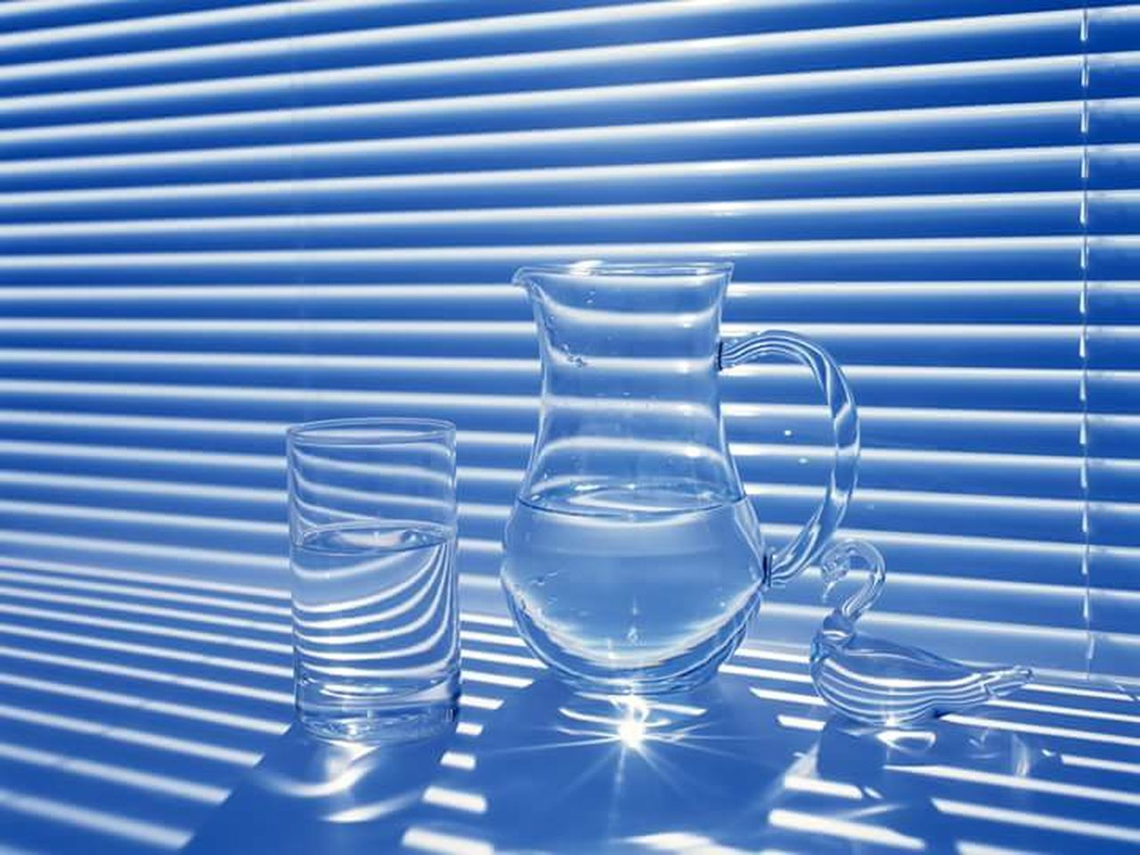 drink, food and drink, refreshment, table, drinking glass, no people, indoors, blue, close-up, day, freshness