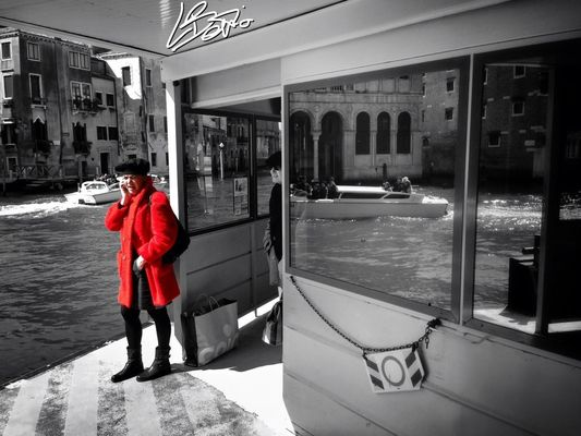 colorsplash in Venice by Lorenzo Bettio