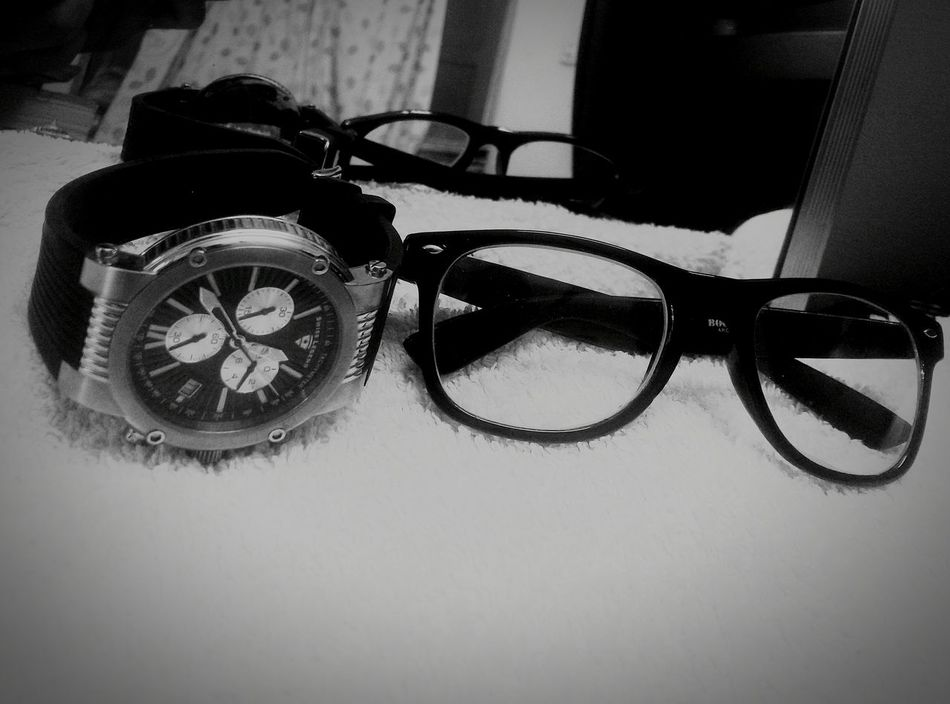When ur watch nd glasses r better than u. Eyeglasses  Close-up Indoors  Watch The Clock Watch Out! Glass_collection
