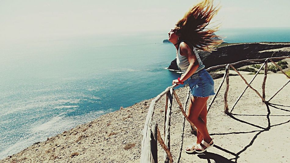 Eyeemphoto That's Me Jahbless Wildlife & Nature Color Portrait StateOfTheArt Pigment Tropical Paradise Sea And Sky Hotday Sunshine Life In Motion Beachphotography Beauty In Nature Beauty Redefined Wildlife Freedom Free Crazy Hair Blonde Girl Chill Enjoying Nature Free Spirit Summer Vacations