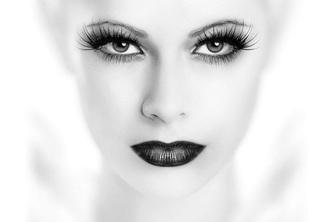 Beauty in symmetry Beauty Portrait Fashion Black & White First Eyeem Photo