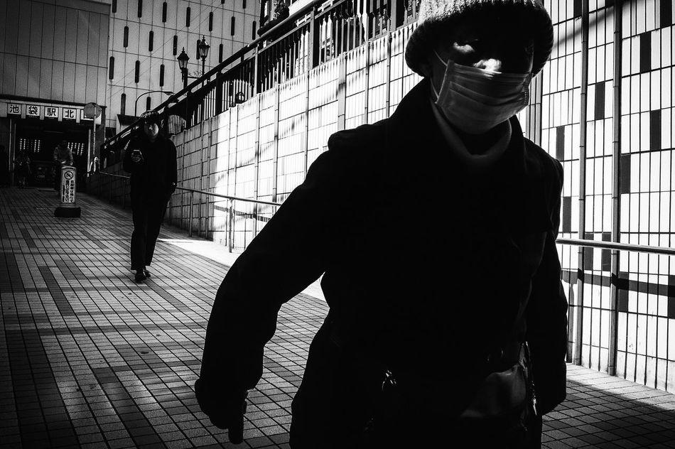 The Week Of Eyeem Monochrome Photography B&w Street Photography Streetphotography_bw Streetphoto_bw Japan Streetphoto Street Photography Black And White Tokyo Blackandwhite Streetphotography People Welcome To Black