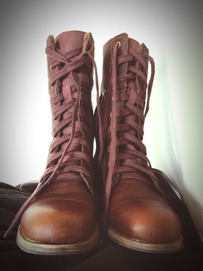 Leather boots Smell Good
