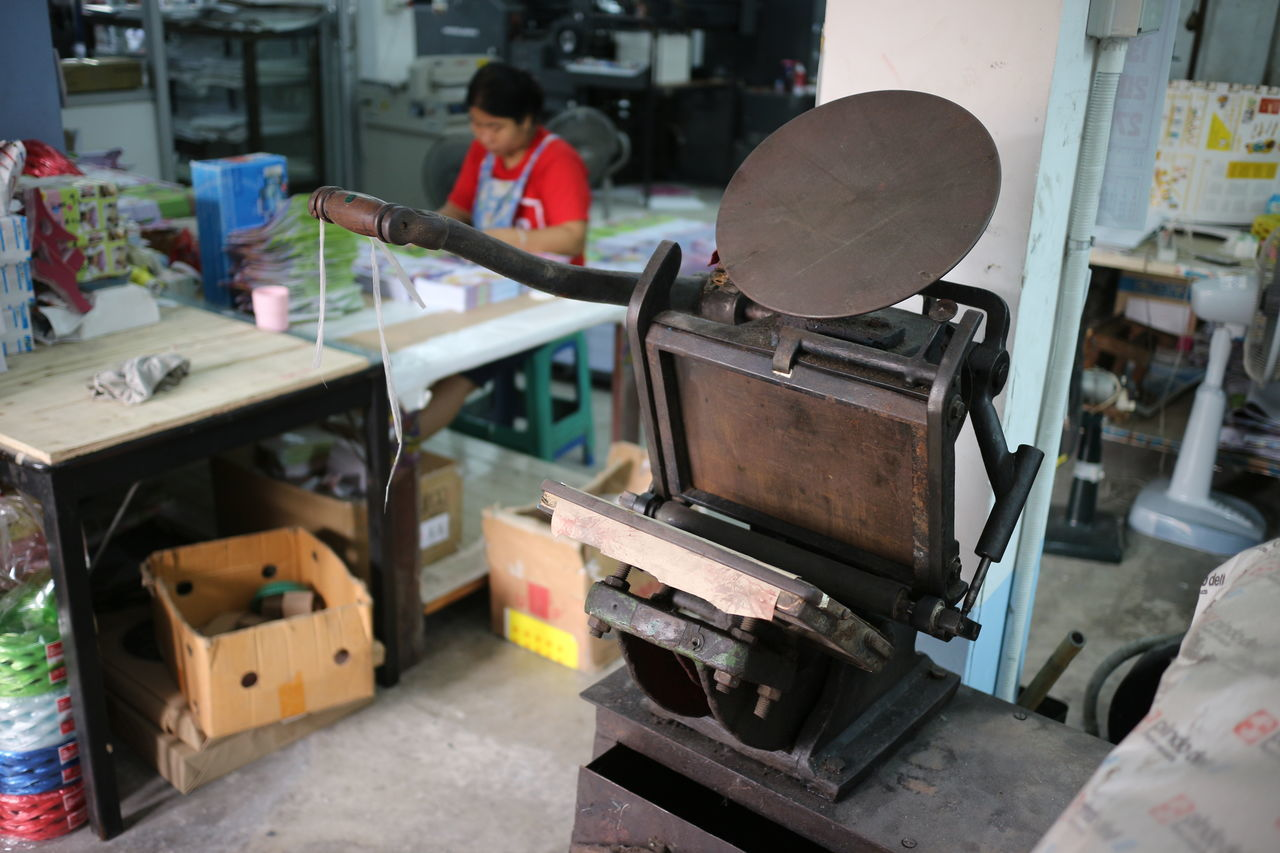 Adult Adults Only Day Factory Industry Letterpress Machine Metal Occupation Old One Person People Print Printing Vintage Workshop