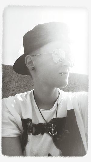 Sun Anchor Cap Blackandwhite