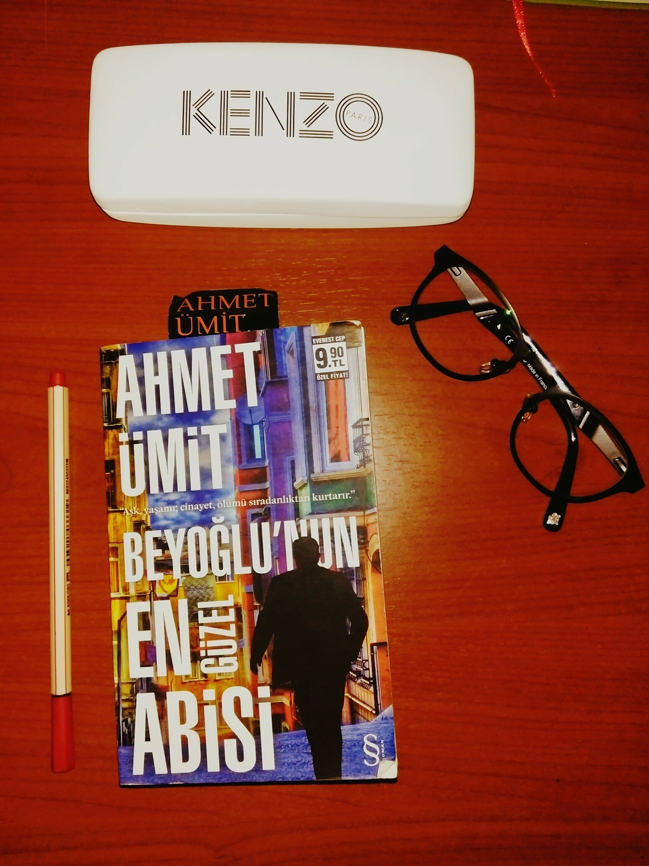 Kenzo KenzoGlasses Glasses Book Red Ahmetümit BeyoğlununEnGüzelAbisi Everest Yayınları Booktime Paris Acessories