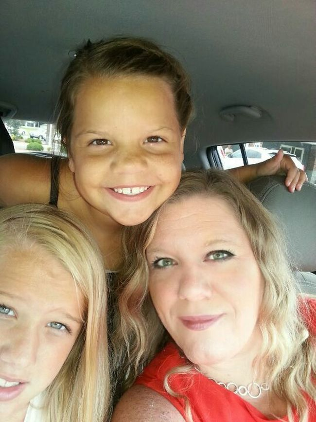 Me with my beautiful daughters Hannah and Jadyn. Hanging Out