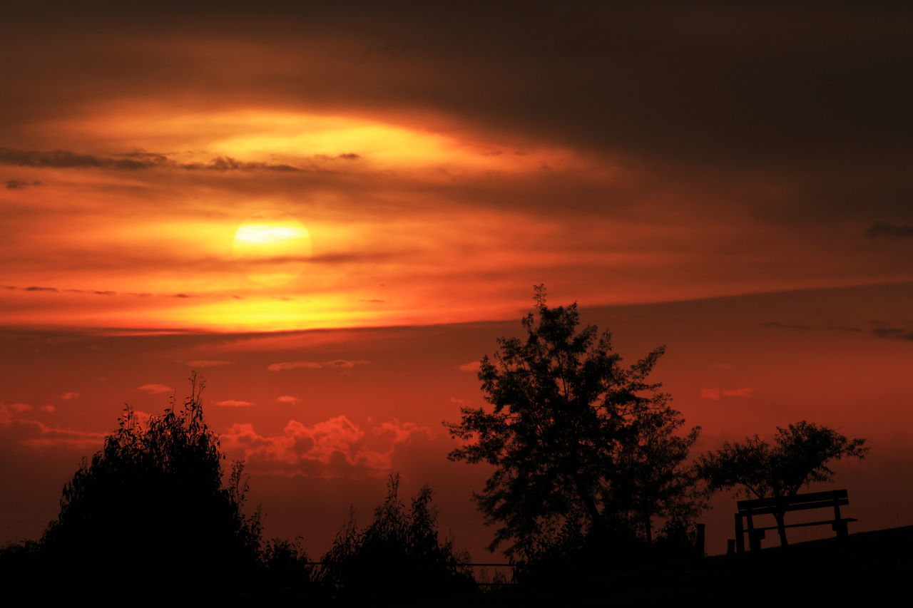 Beautiful Nature Fire Sky Nature Photography Portugal Silhouette Sky Sun Sunset Sunset Portugal Sunset_collection