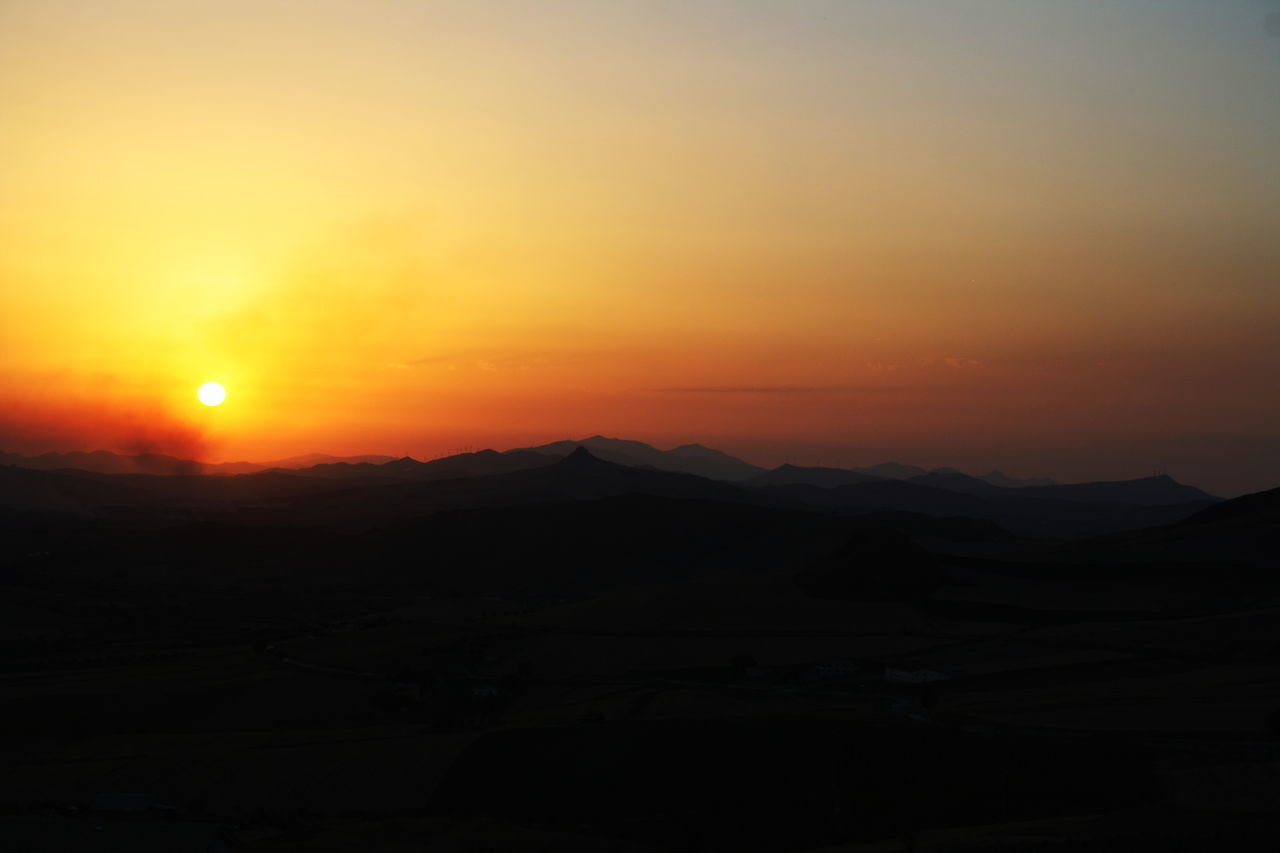 Sunset Tranquility Scenics Tranquil Scene Beauty In Nature Nature Mountain Sky Idyllic Outdoors Landscape Night Travel Destinations Silhouette No People Astronomy Sicily Corleone, Village, Sicilia Mafia  Sunsets Sunset Silhouettes Italy 🇮🇹 Mountains