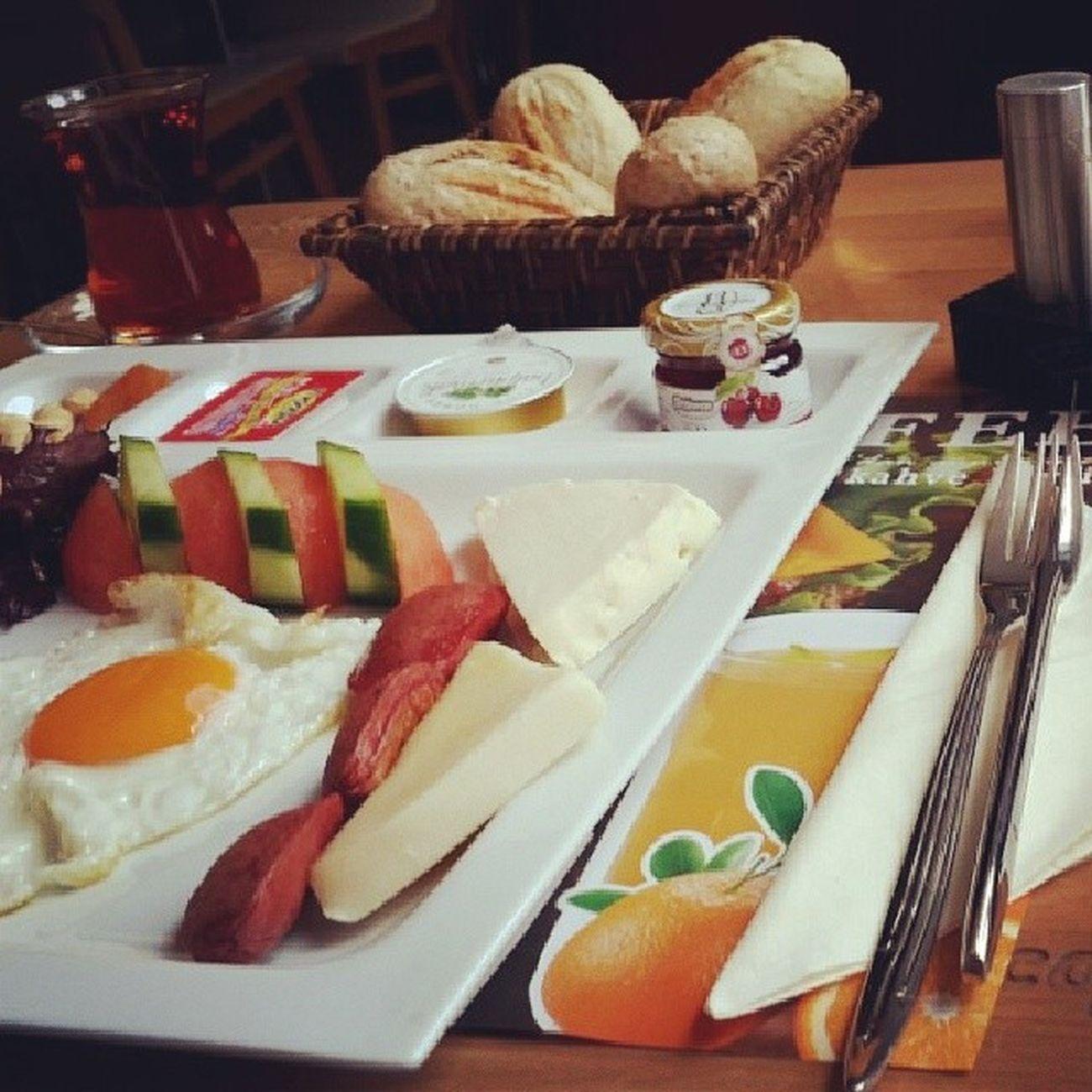 Günaydın iyi pazarlar. Pazarkahvaltısı Kahvaltı Kahvaltıkeyfi Kahvaltızamanı