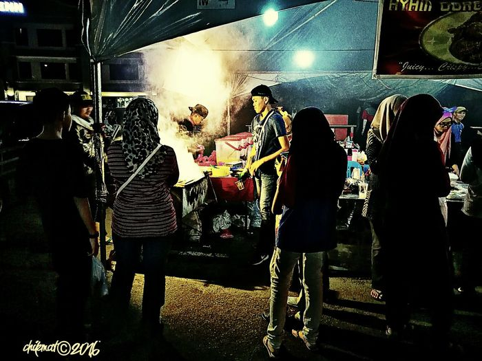 Night Standing Street Lifestyles Side View Outdoors Nightlife People And Places People Of EyeEm Fresh On Eyeem  Street Photography Streetphoto_color Street Style From Around The World Street Life Streetcandid Street Of Borneo Tourism Multi Colored Bikf©2016