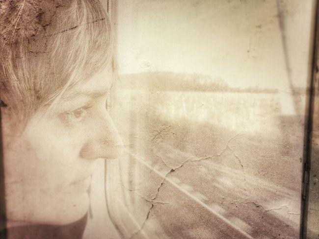 Laura Love Ispirations Travel Train Photo Editing Enlight Woman Portrait Of A Woman EyeEm Woman