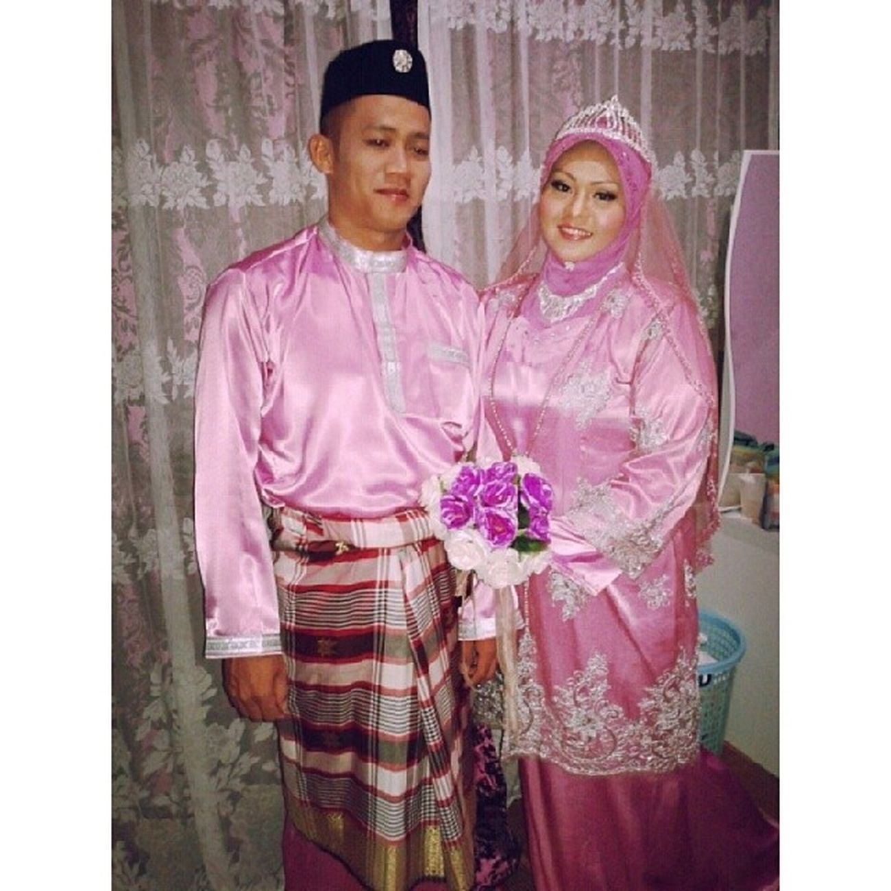 Beautiful bride. My only craziest sister. My brother in law. Alhamdulillah, they've officially declare husband and wife ;) ♥♥♡♡♥♥ Newleyde MalamBerinai Pink Theme