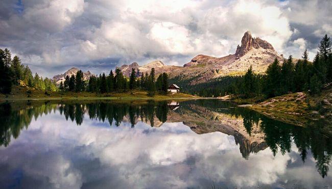 Croda da lago, Dolomites Italy, sommer 2015 Nexus5 Mobilephotography Nexus5 Nexus5photography Croda Da Lago Dolomites Dolomiti Dolomites, Italy Mountains And Sky Water Forest