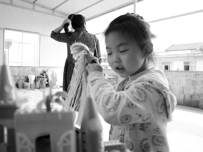 Real People Two People Childhood Togetherness Leisure Activity People Indoors  Casual Clothing Canon M3 Canon The Human Condition Blackandwhite Black And White Monochrome The Street Photographer - 2017 EyeEm Awards