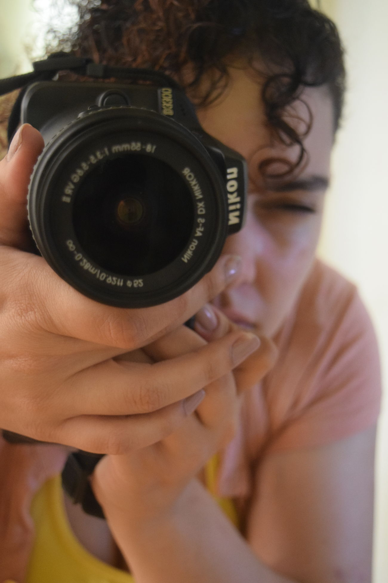 Me :D Camera - Photographic Equipment Close-up Eyeemme EyeEmNewHere Photographer Photographing Photography Themes Women
