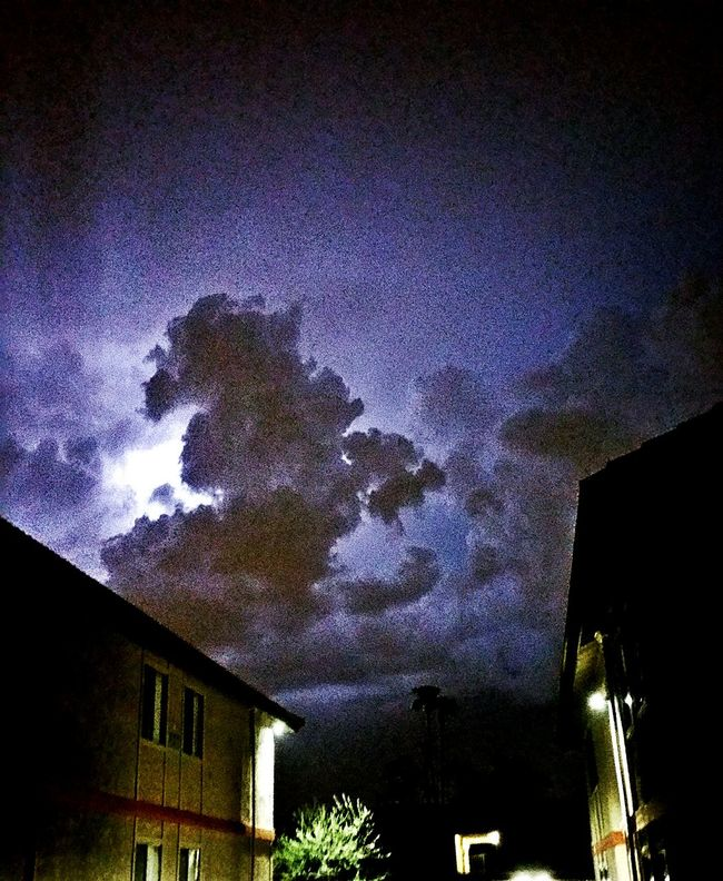 Monsoon 2016 Monsoonseason Monsoon Monsoon Lighting Lightening Sky Lightening Cloud Lightening Strikes Check This Out Tempe Az