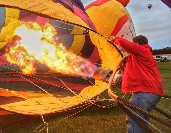 Filling up the hot air balloon. Hemisphere Dancer - pilot Marion Deeney of Tallahassee, FL. 30th Annual International Balloon Fiesta in Sussex, NB. Hot Air Balloons AtlanticBalloonFiesta2015 Hemisphere Dancer Fun Times IPhoneography IPhone 5S