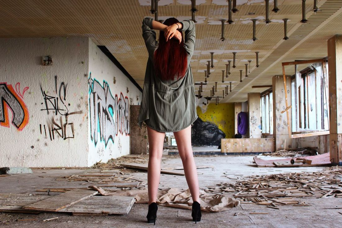 Another fashion picture. Huse The Fashionist - 2015 EyeEm Awards Fashion Legs Girl Graffiti Shooting Sexygirl Buffalo Soldier