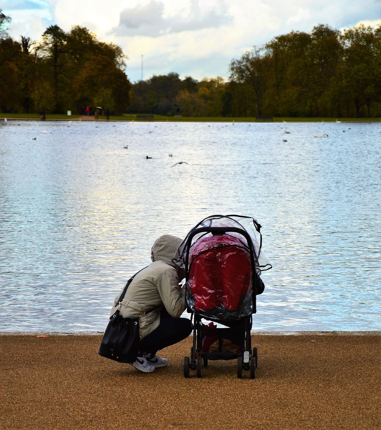 Outdoors Nature Day Mother And Son Wintermornings Coldmornings Hyde Park Kensington Gardens Lake Animals London Uk Great Britain Lovelondon Cold Wintertime Love Motherlove