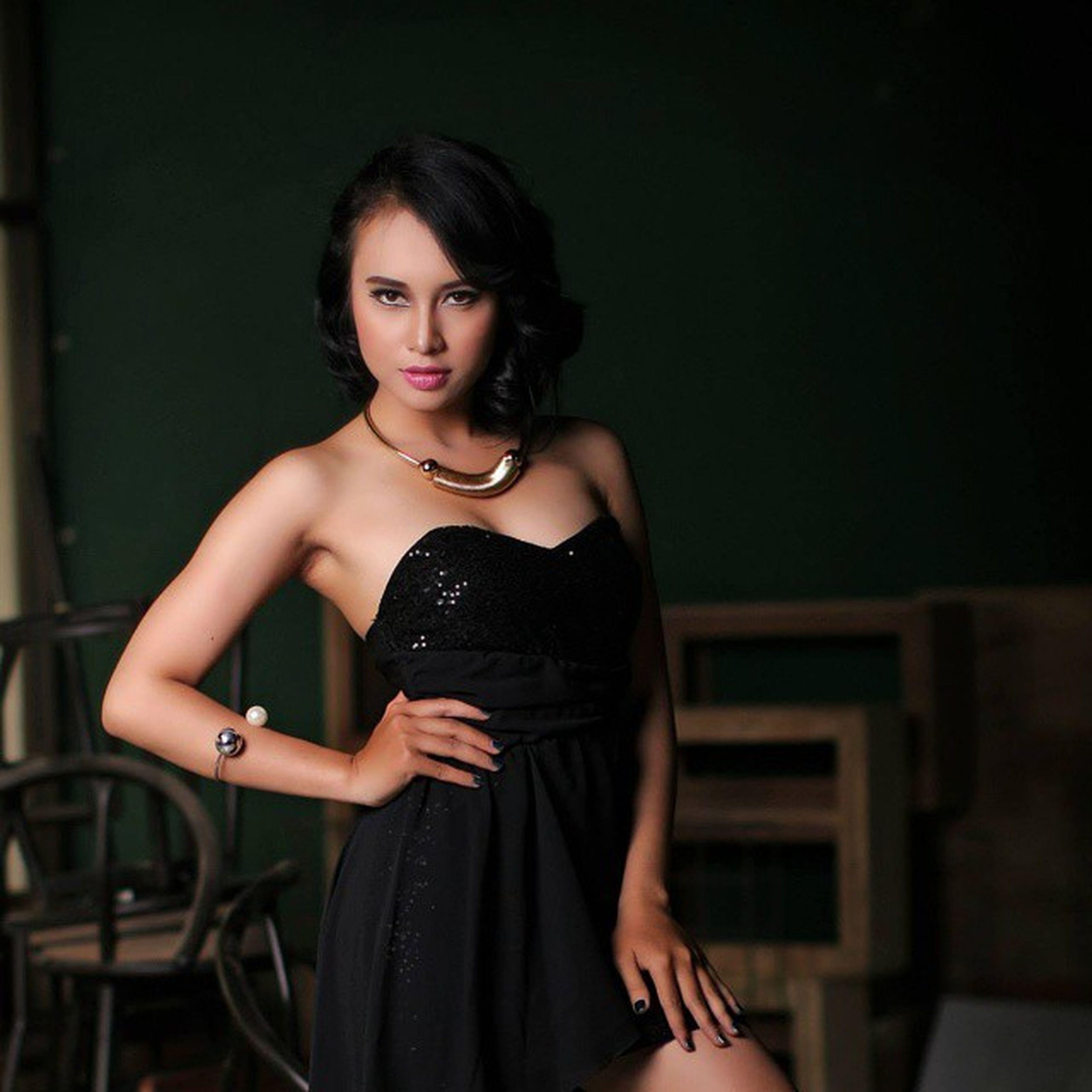 Model : @pritapurnama Make-up artist : @raturegina_mua Wardrobe : herself Squarepic Model Modeling Photoshoot Portrait Fashion Photography Fashion Magazine Mood_photography Bestphotogram_portraits Explore Likeforlike Like4likes Instagoodnight Beauty Model_look