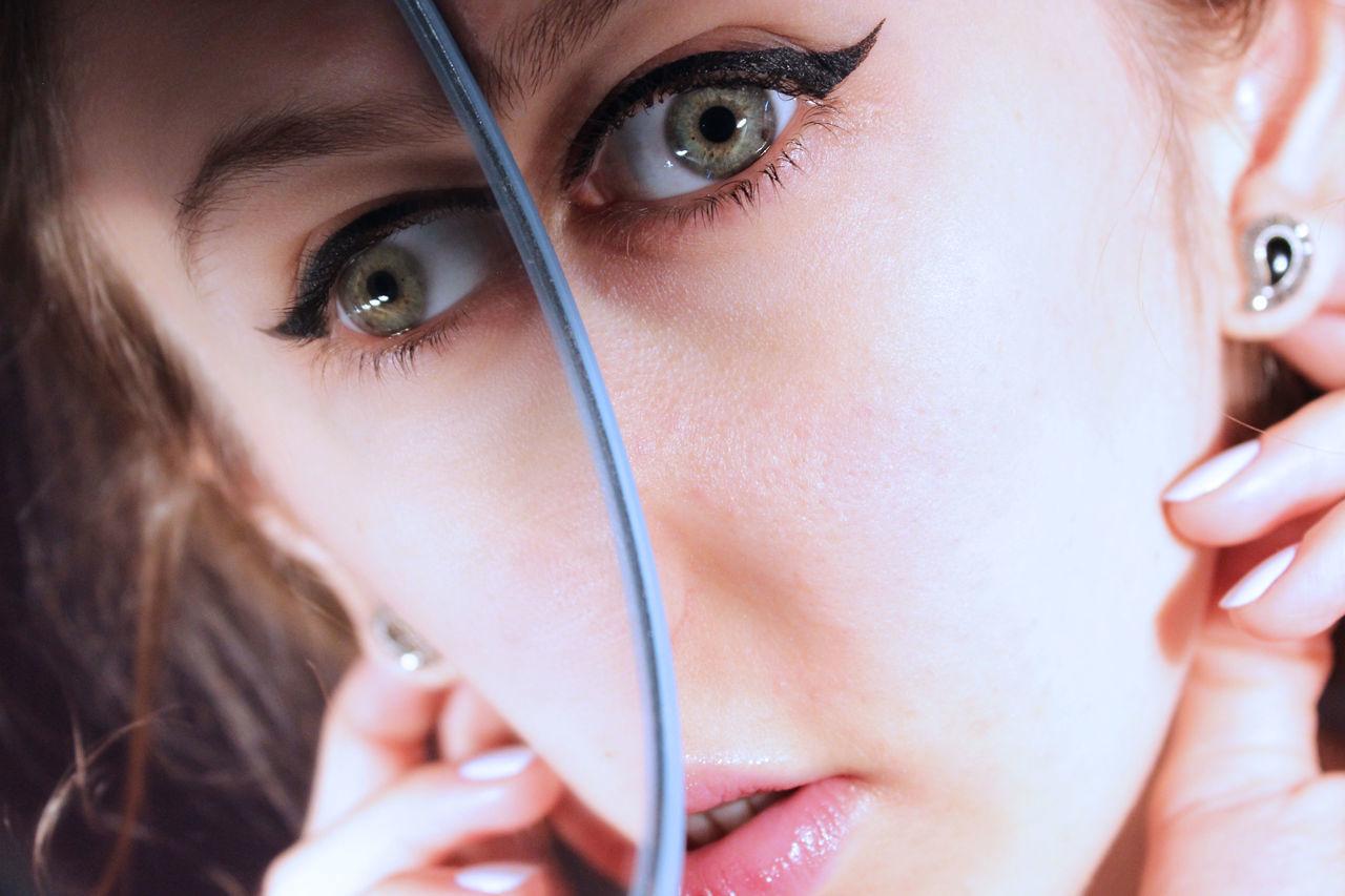Abstract Beautiful Woman Close-up Double Eyebrow Human Eye Human Face Looking At Camera Mirror Eye Green Eyes The Portraitist - 2017 EyeEm Awards BYOPaper!