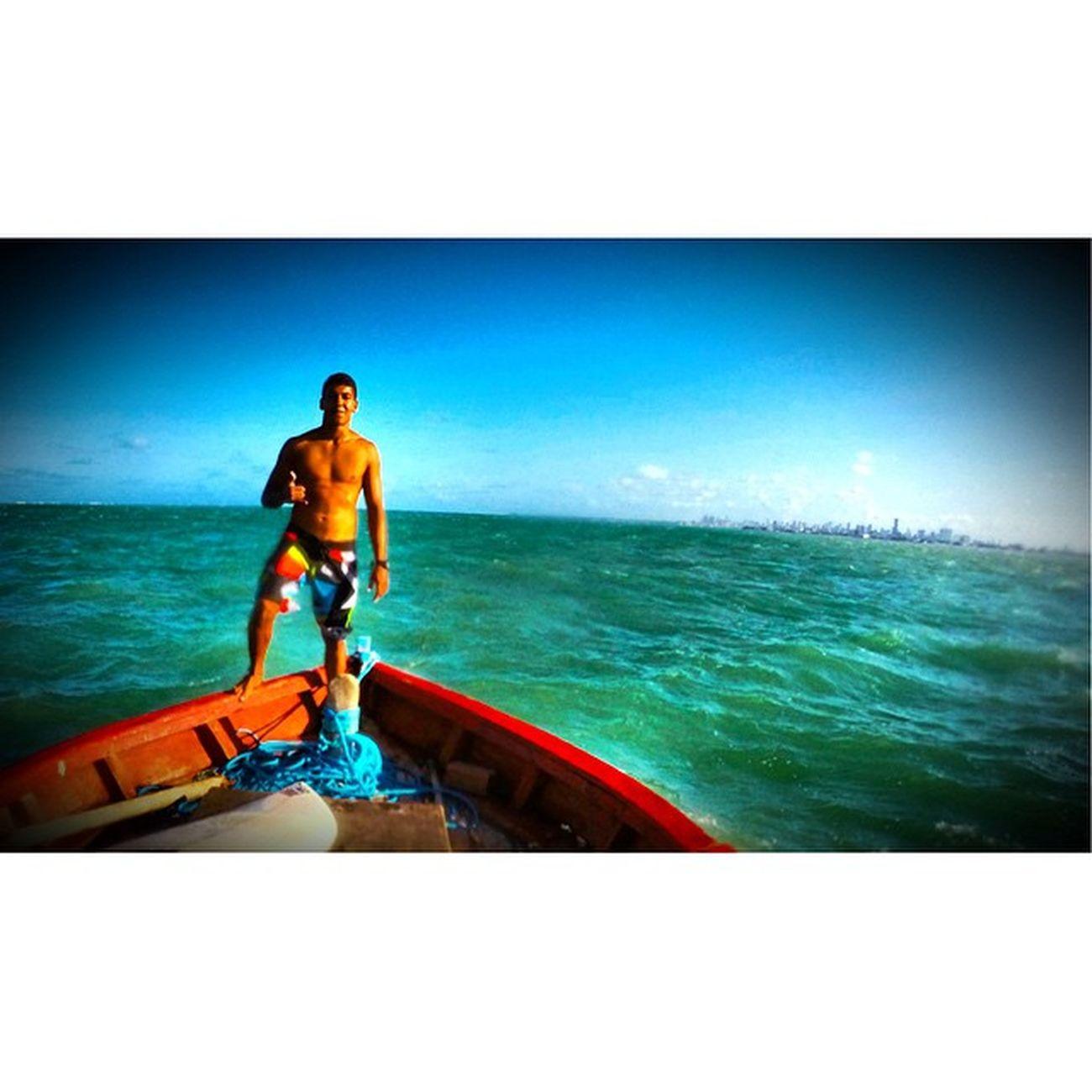 Por instinto sou levado, minha fé me acompanha na passagem por este planeta, O tempo sobra, pois dessa obra, sou a areia da ampulheta! 🌊☁️🌀⛵️🌅 Allallauu Paraíba Paraíso LiveTheSearch Mar Surf Surfingiseverything - LifeInStyle - Lifeapp - Photooftheday via @lifeapp Supertide Surfstorm Bigswell Reef Rapaduratimes PerfectWaves
