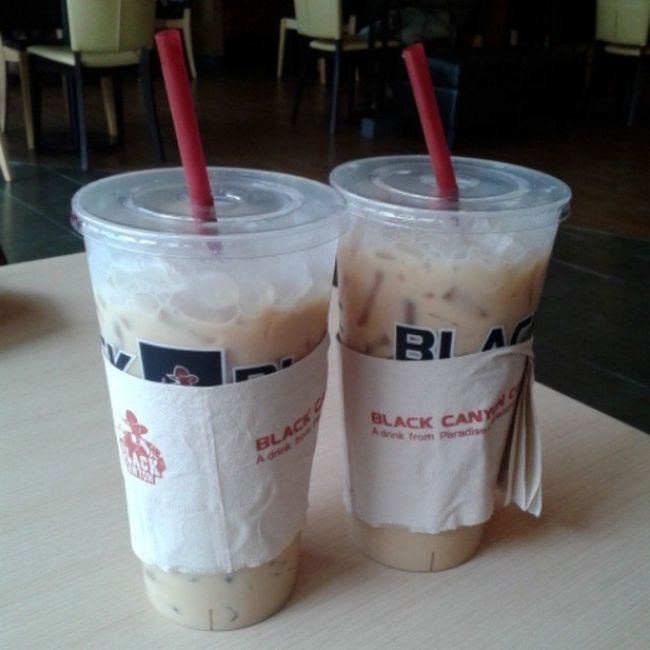 .. เติมพลังคน // เติมพลังใจ .. Coffee Coffeetime Coffeemania Espresso blackcanyon blackcanyoucoffee