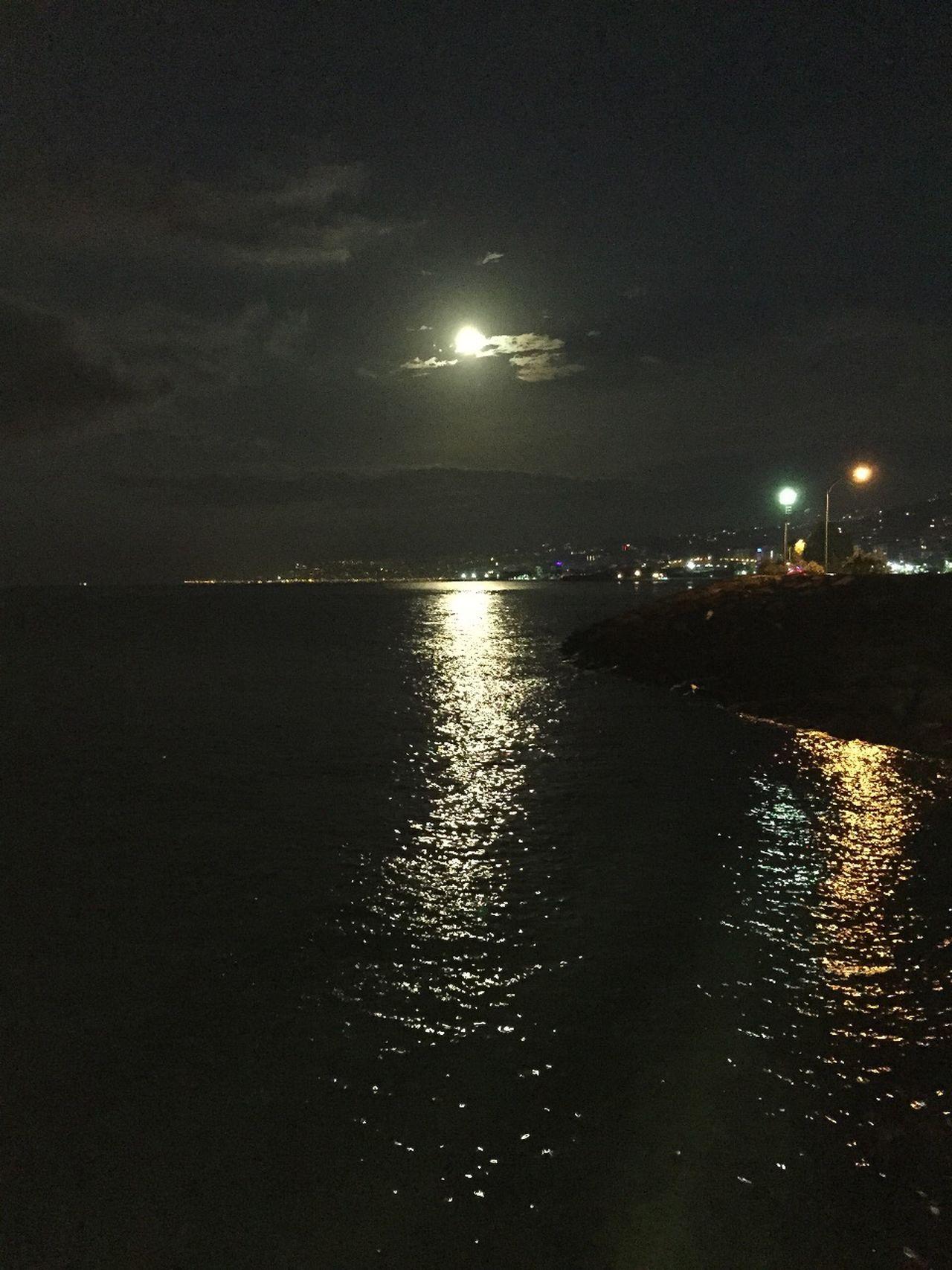 Yakamoz. Phosphorescence Moonlight