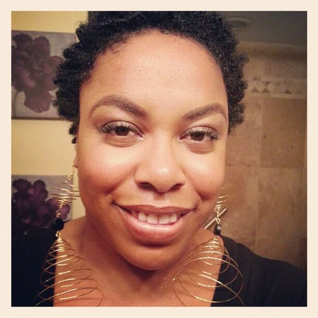 On my way out to see Gregoryporter at the Jazzbistro this evening with a friend. Love my new @beadsbyaree earrings!