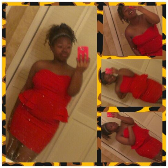 tryna decide if I wantd to wear disx dressx to W.H.S dance!