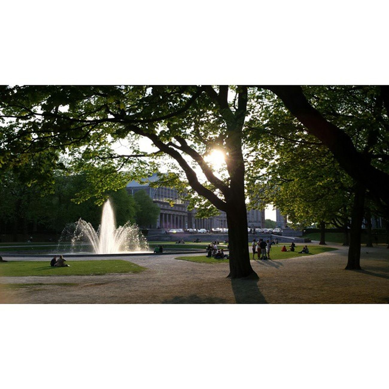 Parc du Cinquantenaire • Jubelpark • Parque de Cincuentenario 🌞 Picbyme Brussels Bruselas Bruxelles Belgium Bélgica Prettynature Jubelpark Parcdecinquantenaire Lovebrussels Capital Europe Fountain Green Nature Schuman Luxemburg