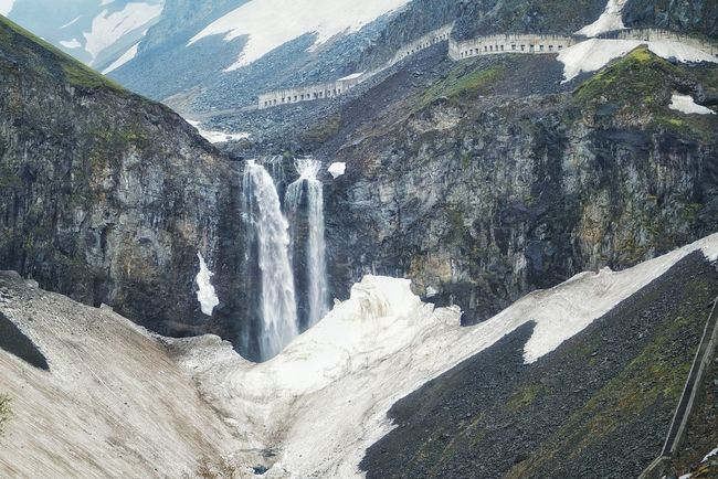 China Photos 백두산 백두산폭포 Landscape Light And Shadow Snow Covered Snow Melting Waterfall Falls Nature Travel Streamzoofamily Changbai Mountain, China Landscape_Collection Taking Photos