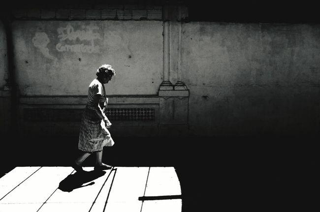 EyeEn Porto Thestreetphotographer B&w Street Photography Monochrome B&w Photography Street Photography Streetphotography Showcase July Fujifilm
