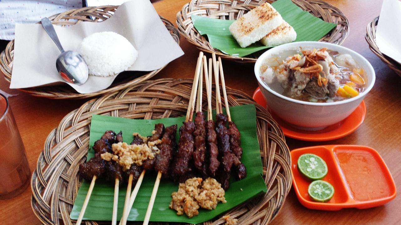 Beefbowl Beefstew Beefsteak Beef Soup Beef Teriyaki Beef Stew Beefskewer Satay Satay With Bamboo Stick Satay Beef satay maranggi Maranggi Sundanesefood Sundanese Sundanesetraditionalfastfood Sundanese Culture Indonesian Food Indonesianculinary Indonesianfood