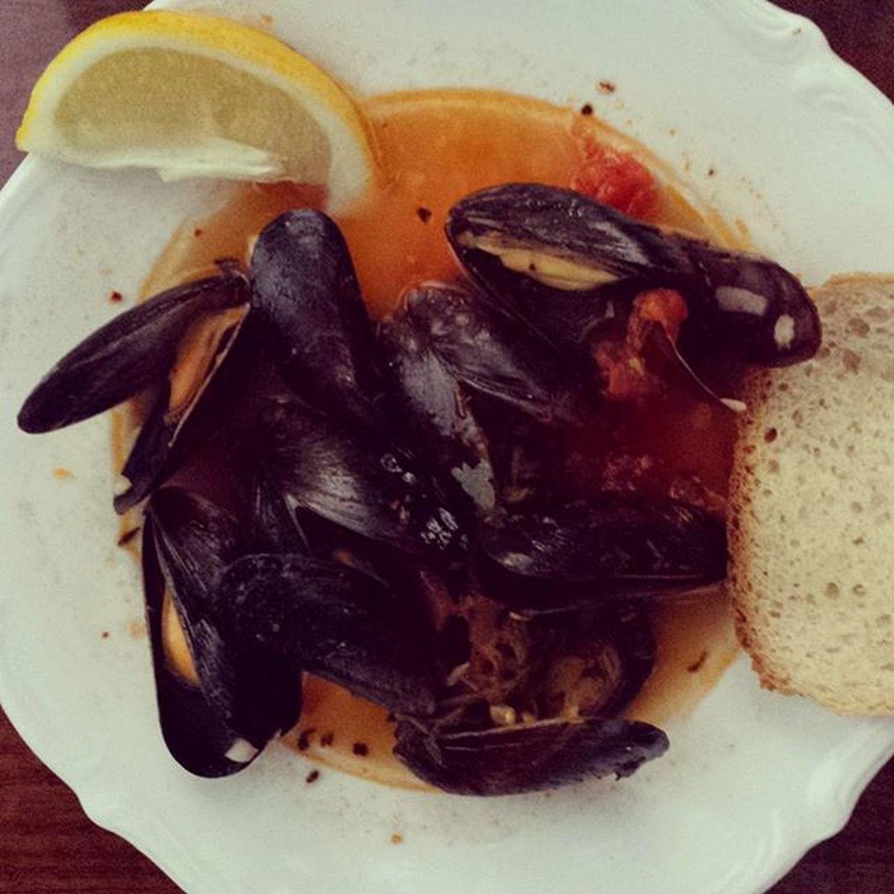 Deliciosa za 9,99zł z Biedronki http://grykuchenne.pl/swieze-mule-chili-czosnek-pomidory/ Mule Seafood Foodmania Foodie Palcelizac Muszle Bluemussel Mussels