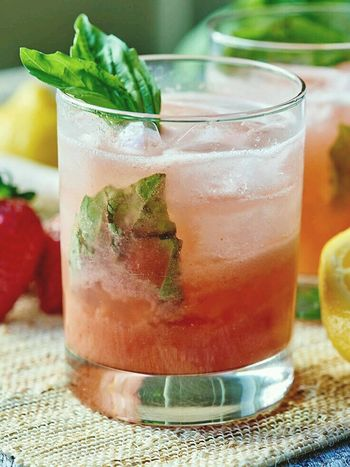 Isn't this looks good ? ... going to try making some soon.. Thristy Hot Weather Drinking Cocktails I Wish  Interesting Check This Out