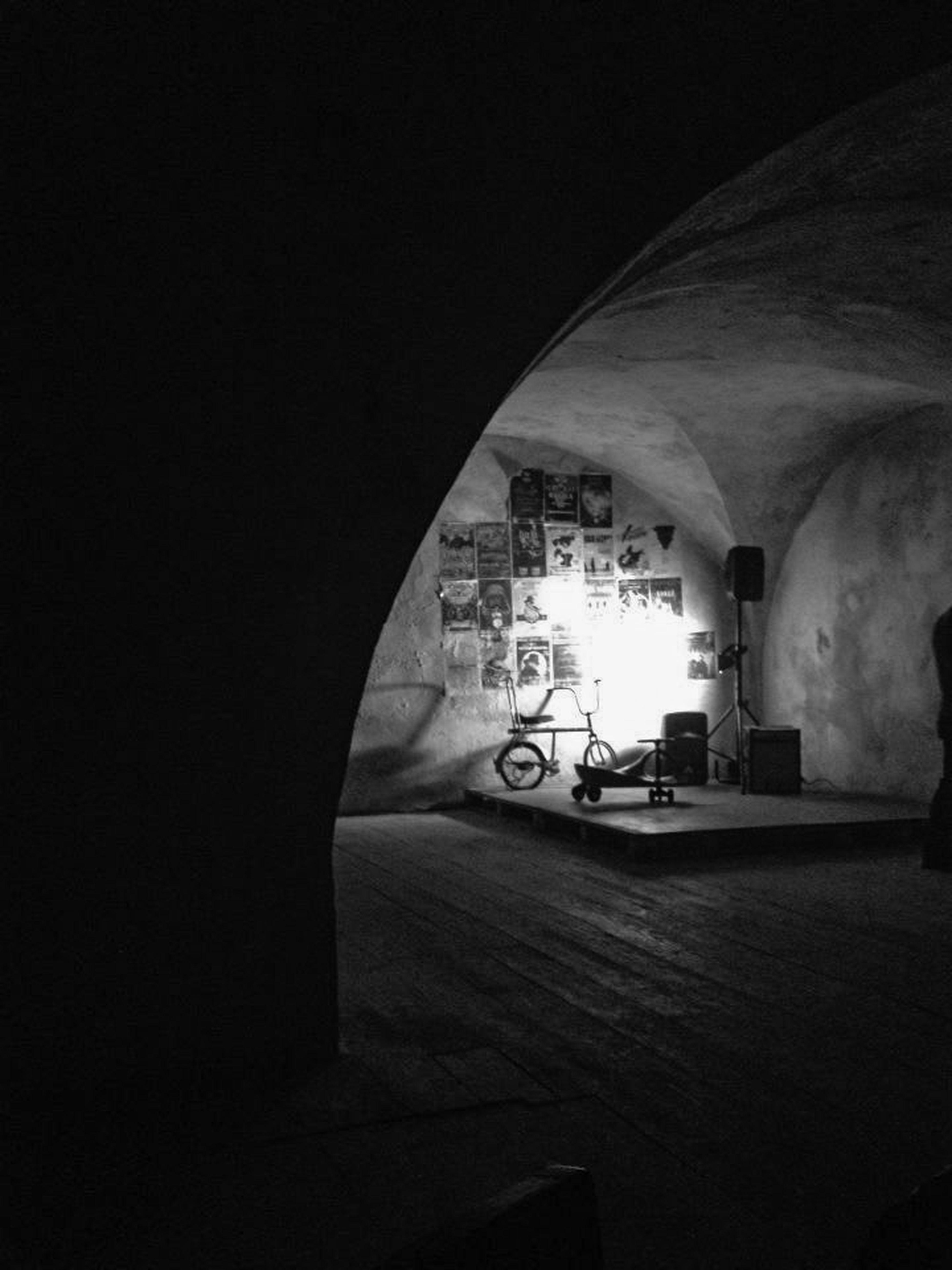 The deceased Fantasma, lisbon. Taking Photos Geometric Shapes Relaxing Saudade Musicforbrain EyeEm Best Shots Lisboa Blackwhitephotography Monochrome Blackandwhite