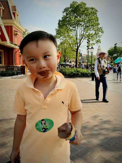 Muddy-buddy😎 Taking Photos Relaxing Hi! Enjoying Life Disney World Ice Cream Shanghai, China The Magic Mission My Favorite Place Hanging Out Enjoyment People And Places. EyeEm Gallery China Photos People And Places Leisure Activity City Life Tourism