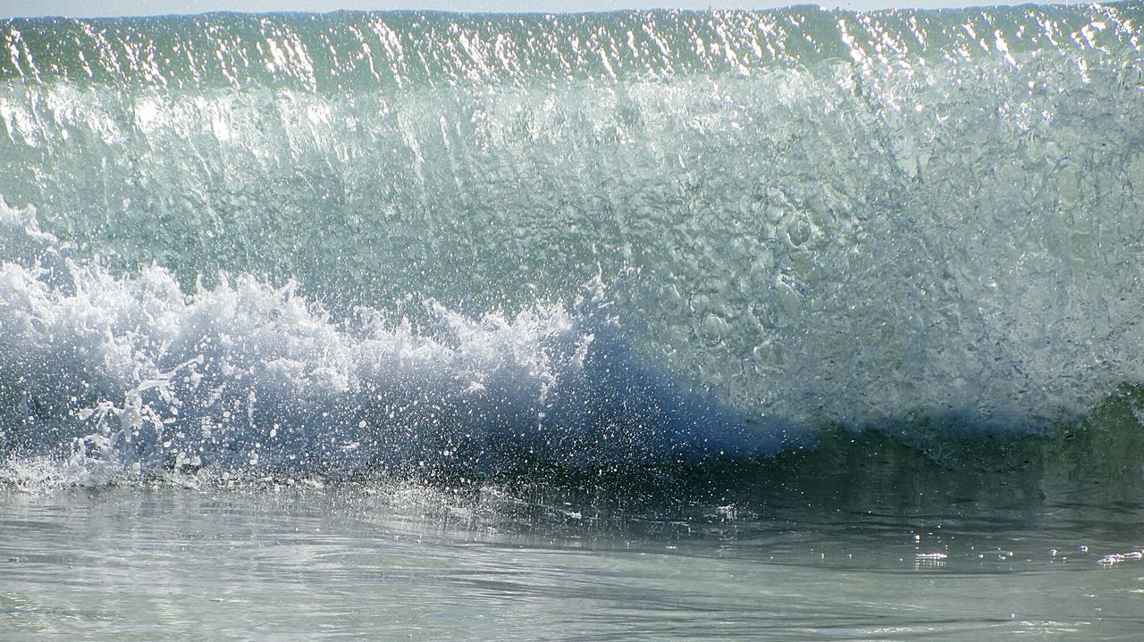 The wave... This Is My Paradise Waves Crashing Waves, Ocean, Nature Ocean Waves By The Seaside At The Beach Splashing Water Water Splash