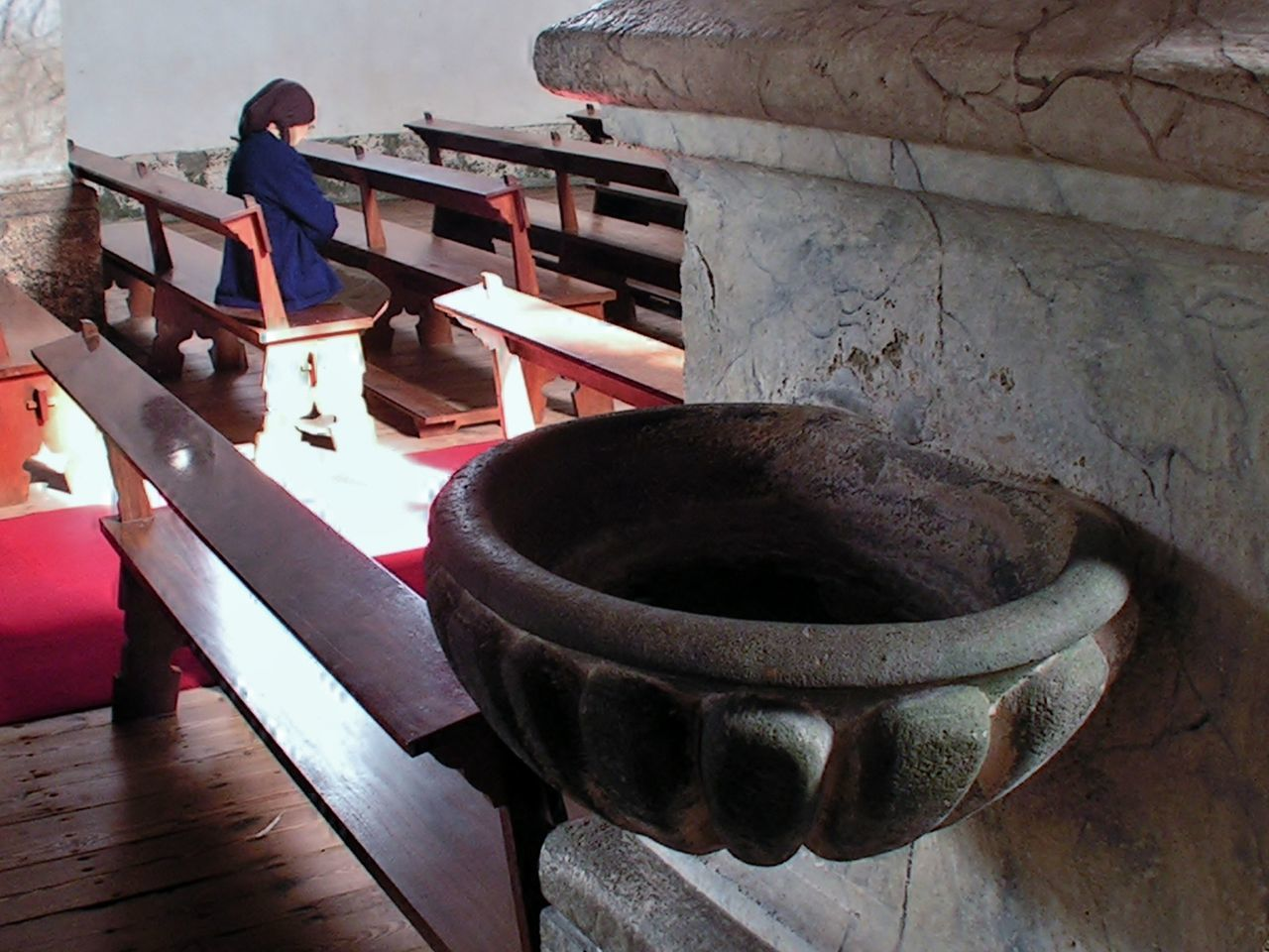 Azores Church Churchbenches Container Devotion Fajãzinha Holywater  Old Woman People And Places Praying Scarf Headdress Stone - Object Marbledstone Insideyourself