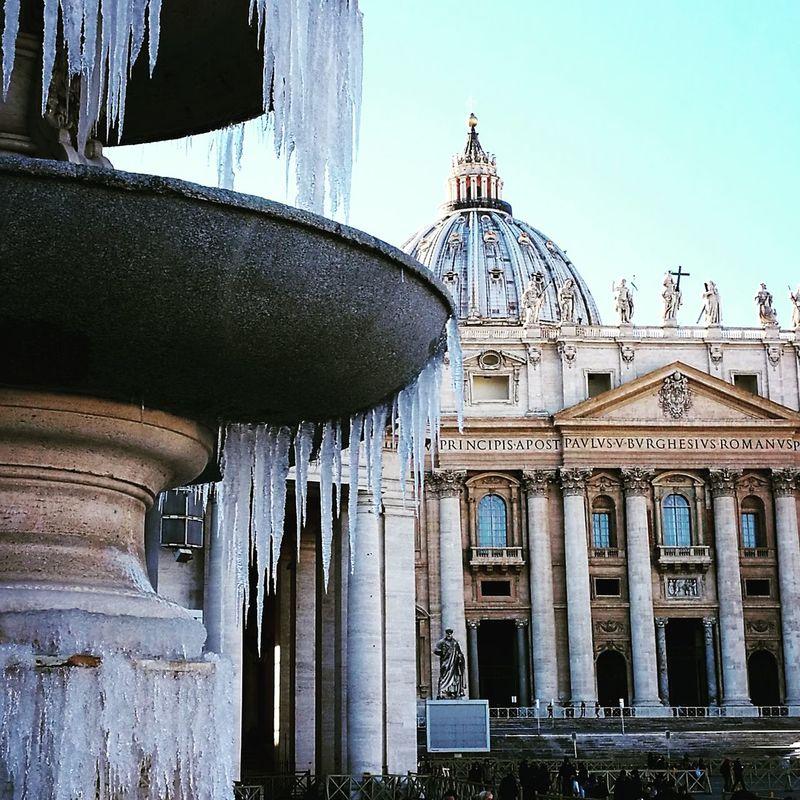 Winterscapes Ice Cold Winter ❄⛄ Rome Cityscapes VaticanCity SanPietro Cold Detail Roma View Jenuary Fountain
